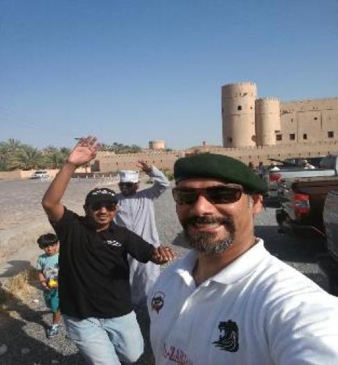 تقديم محاضرة عن التطوع و اثرة لفريق تاندرا عمان للسيارات